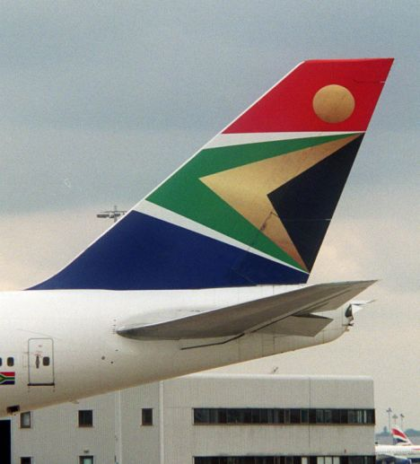 SOUTH AFRICAN AIRLINES LOGO ON THE TAIL FINN OF A  BOEING 747-40