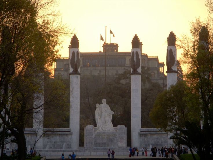 chapultepec-castle-monument-to-child-heroes-mexico-city-mexico+1152_12948833184-tpfil02aw-24551