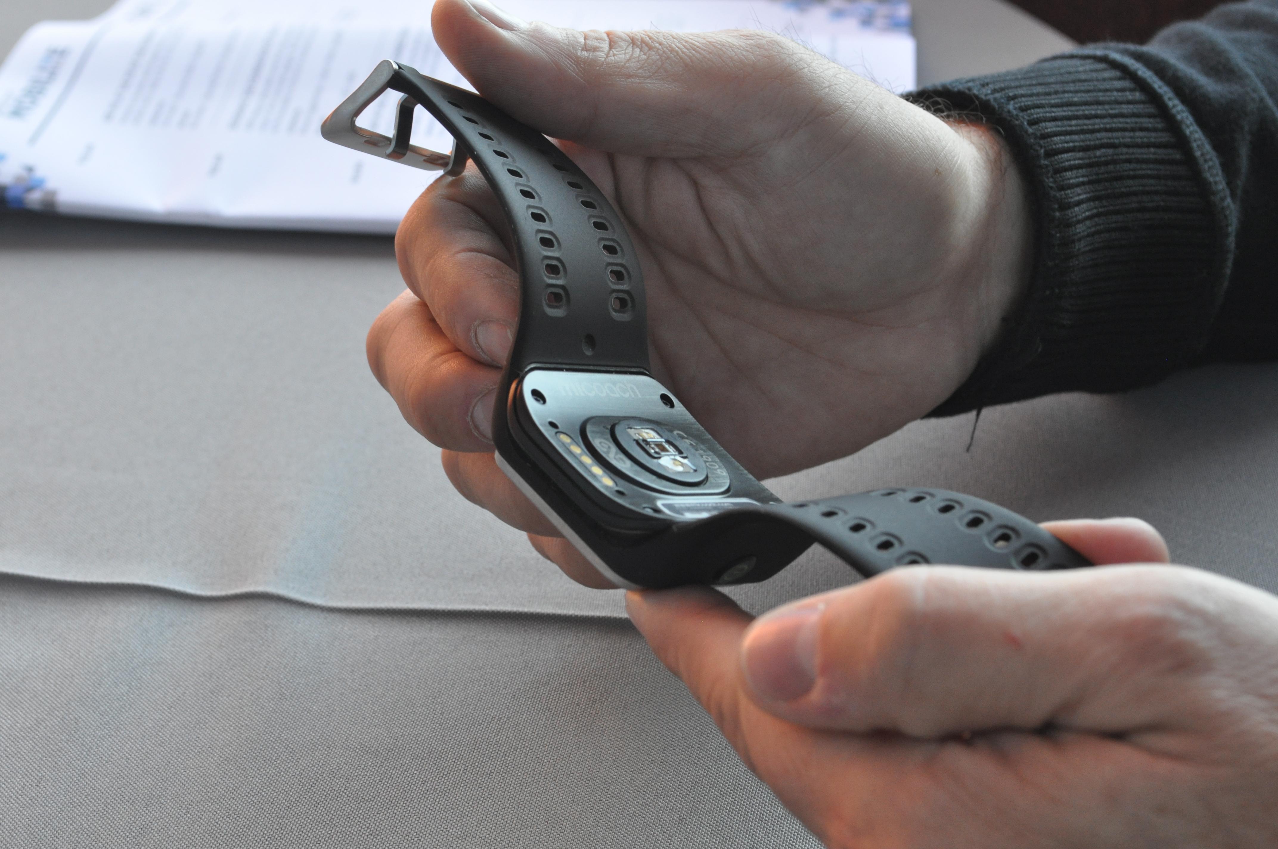 69ffd3f37f0 Relógio Adidas Smart Run  primeiras impressões (e incidente) – Rumo ...